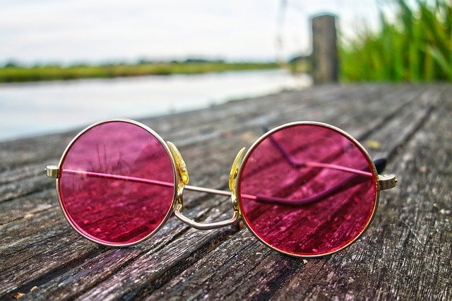 Rose-Coloured-Lenses-Happiness